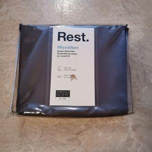 Bnwt. Flat sheet only!!!. Queen size